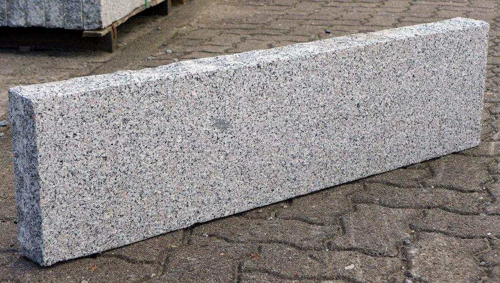 Granit rasenkante