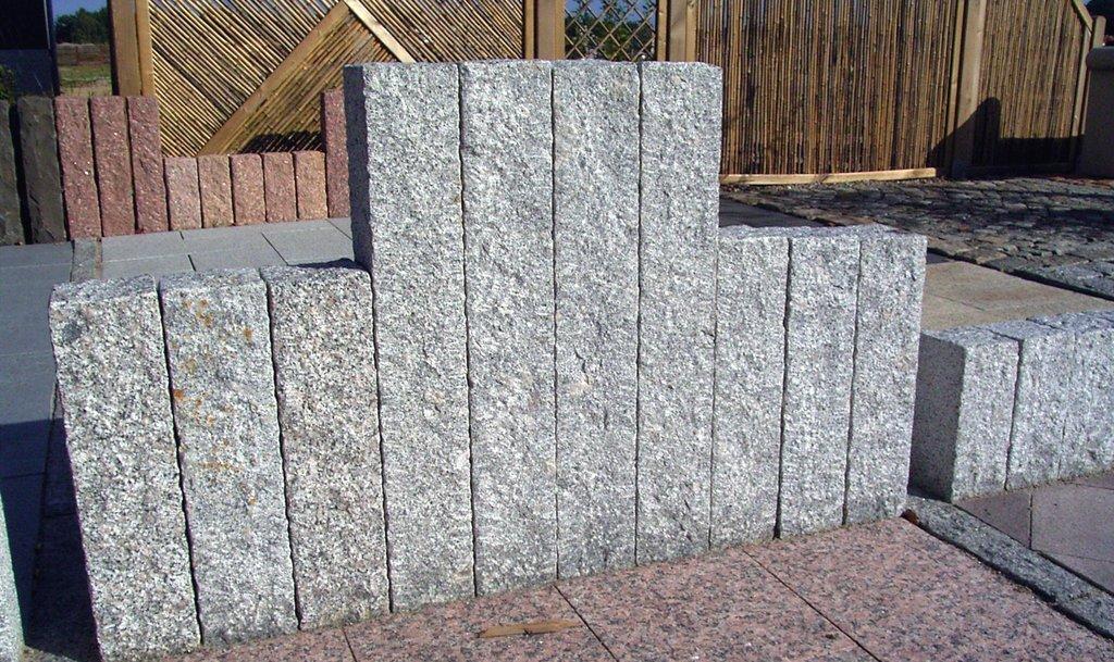 bauzentrum beckmann naturstein palisaden stelen. Black Bedroom Furniture Sets. Home Design Ideas